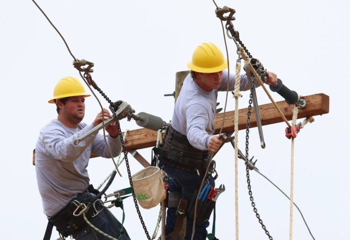 Lineman Training Graduates First Class